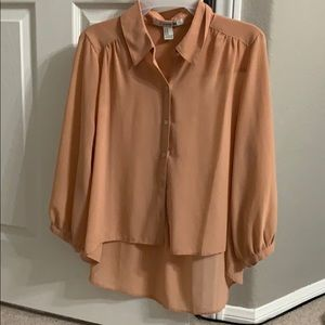Cute dusty rose blouse high low